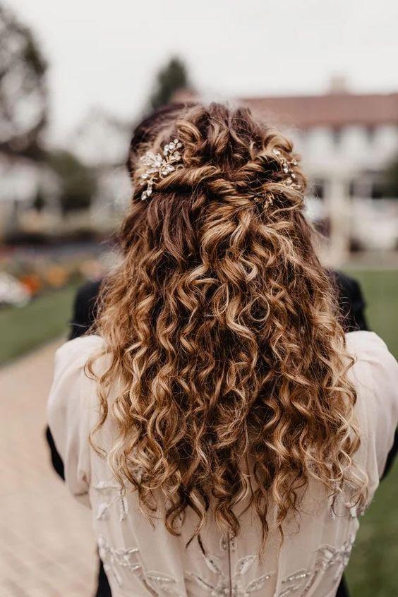 Acconciature da sposa con trecce